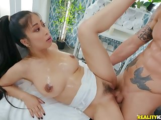 Lucky masseur Alex Legend fucked Jade Kush above the couch