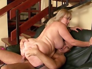 Chunky grown-up leaves the nephew to fuck both the brush fat holes