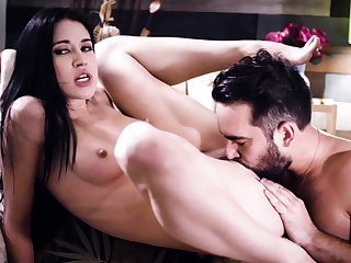 Seductive brunette loads will not hear of young cunt on touching the right inches